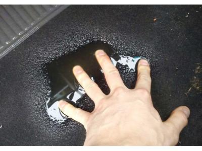 Причины появления воды в салоне автомобиля под ковриком: решение проблемы